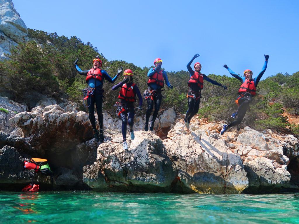 Jump into the heart of the island! COASTEERING